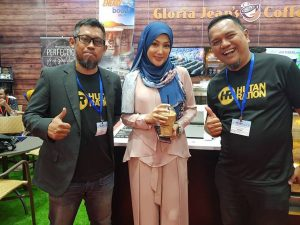 Hutan Ration collaboration with Gloria Jeans coffee